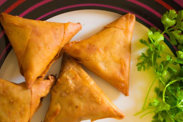 Onion Bhaji & Vegetable Samosa 1